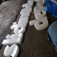 huruf timbul akrilik 10 cm