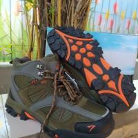 Sepatu Gunung SNTA 481 Grey Red-Sepatu Outdoor-Sepatu Hiking Pria