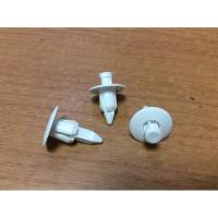 Klip Kancing Interior Mobil 7 mm Putih Original