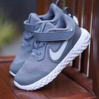 ORIGINAL Nike Sepatu Anak Kids Kid Laki-laki Slip On Velcro Grey BNWB