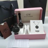 Jam Tangan Couple DW Paket Aksesoris DWP-10