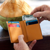 Wallet. Slim Handmade Top Grain Leather Bifold Wallet in 2 colors. - Hitam