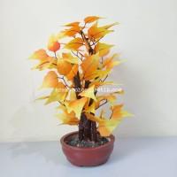 Pohon Plastik Bonsai Mini Daun Anggur Kuning Artifisial Pot Semen Oren