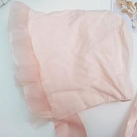 Topi Model Princess dengan Bahan Halus dan Warna Pink untuk