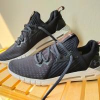Sepatu Under Armour HOVR SLK EVO Sportstyle BLACK