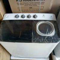 PROMO Mesin cuci electrolux dua tabung 8kg EWS98261