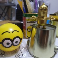 HAPPY MEAL MCD Karate Double stick MINION MINIONS GOLD 6