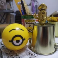 HAPPY MEAL MCD Police MINION MINIONS GOLD 4