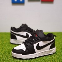 Sepatu sneakers anak NIKE AIR JORDAN KIDS LOW BLACK WHITE - 29, Hitam