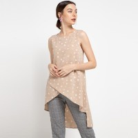 Sophistix Ana Blouse in Cappuccino
