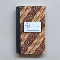 Buku Tulis Hardcover Ria Oktavo