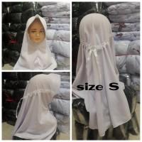 Hijab sekolah anak serut bahan pe - S, Putih