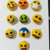 Gantungan Kunci Flanel Emoji/Magnet Kulkas/Souvenir Ultah/Pernikahan