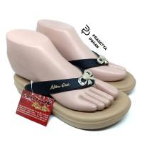 Sandal Wanita Anti Air - Sendal Wanita New Era Model Pita - Hitam