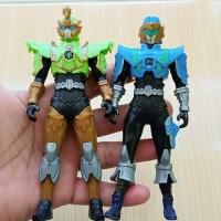 Paket 2 Mainan / Pajangan Action Figure Legend Hero Ganwu Toys Bekas