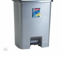 Tempat sampah segi 25 liter injak lion star