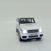 Diecast Mobil 1:24 Mercedes-Benz G55 SUV-L berjalan Nyala Lampu suara - Putih