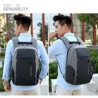 Tas Ransel Pria / Backpack Anti Maling Laptop Case USB PORT 12 Terkini