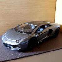 Kinsmart Lamborghini Aventador Diecast