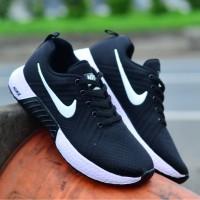 Sepatu Wanita Sneakers Olahraga Flyknit Nike Warna Hitam Size 37-40
