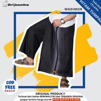 Sarung celana wadimor polos hitam putih tumpal - Hitam