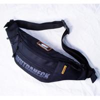 "Waistbag Wutdaheck ""TURBO"" Hitam, Tas Selempang/Waistpack Premium"