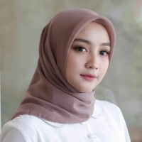 Promo Jilbab/hijab Segi Empat Bella Square/ Laudya Square