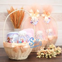 Souvenir baby one month.Hampers baby born 1