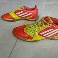 Sepatu Futsal Adidas F5 Ukuran 40 2/3 Asli