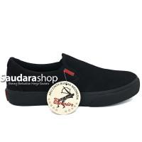 Sepatu Warrior Arthur Black / Sepatu Warrior Slip On Allblack