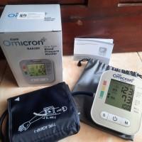 Harga promo!! Tensimeter alat cek tekanan darah digital dengan monitor