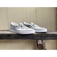 Sepatu Wanita | Vans Classic Slip-On Ouroboros Black/True White