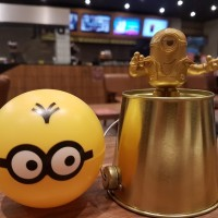 HAPPY MEAL MCD MINION MINIONS 28