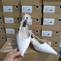 6738. Zara Metal Trim Slingback Heels. Bahan PU Leather - Putih