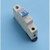 MCB DC 1 Pole tipe C Curve merk Daya rating C2 - C20