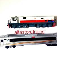 miniatur kereta api set Lokomotif dan gerbong eksekutif