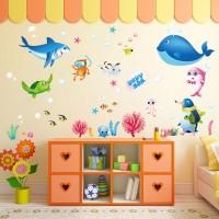 Stiker Dinding dengan Bahan Vinyl dan Gambar Ikan Hiu Warna Warni