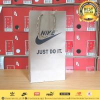 Paperbag Sandal Sepatu Kaos Celana Nike-Karton-Sablon
