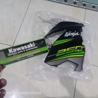 fairing atas new ninja 250 fi 2018 hitam list hijau kanan original