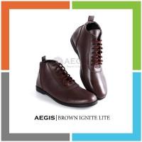 MT832 CRAZY DEALS Aegis - Ignite LITE Brown Exclusive Sepatu Boots Pri