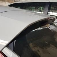 Spoiler Ford Fiesta tipe Tren Putih