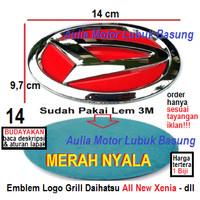 emblem logo grill depan daihatsu 14 cm all new xenia merah nyala 1 bh