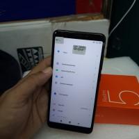 Hp Xiaomi Redmi 5 3/32GB fullset tam minus layar retak,bengkok akun Mi