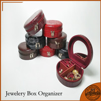 Tempat perhiasan anting beludru /kotak cincin wanita motif Kulit Buaya