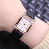 jam tangan wanita Guess model kotak tali kulit tanggal aktif 5 warna