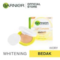 Garnier Light Complete Face Powder Two Way Cake - Ivory