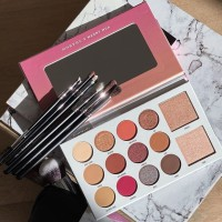 MORPHE EYESHADOW PALLETE AUTHENTIC