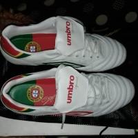 Sepatu Bola / Soccer Umbro Speciali Eternal Pro (PEPE Signature) white