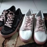 sepatu Sneakers wanita fq 01