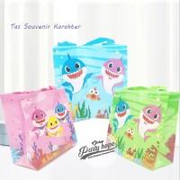 Tas Souvenir Ulang Tahun / Goodie Bag / Tas Ulang Tahun Baby Shark - S
